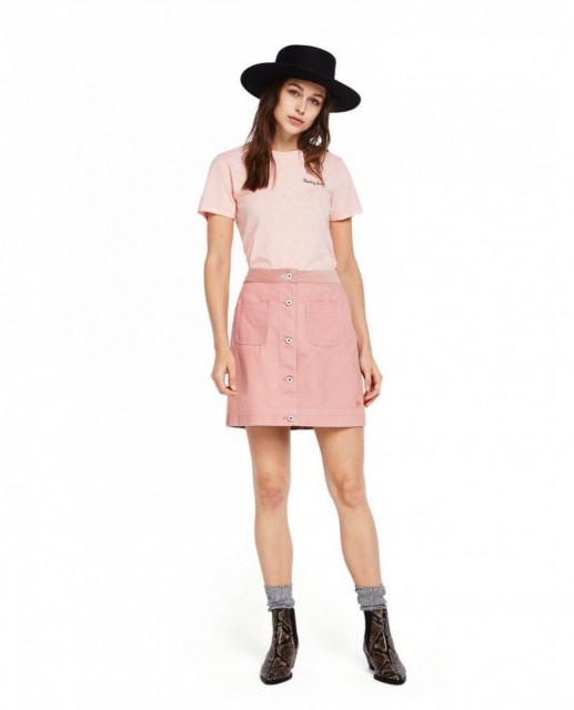 Maison Scotch - Basic Tee Small Embroidery - Rosa
